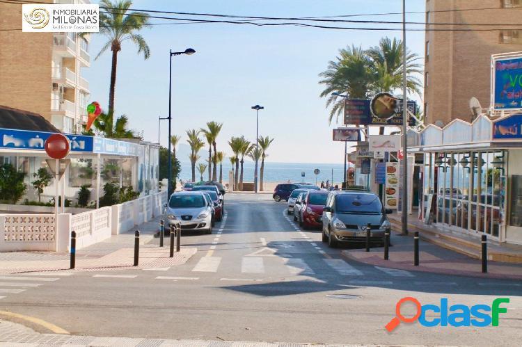 Playa poniente 2ª línea de playa. apartamento de 1+ 1 dormitorios con vistas al mar