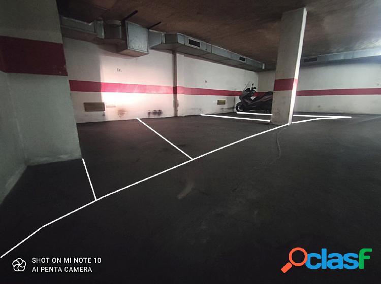 Garaje para 3 vehículos en Santa Marina 1