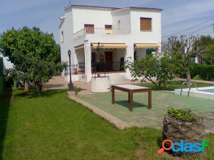 Chalet con piscina y pozo propio en zona residencial marjalería