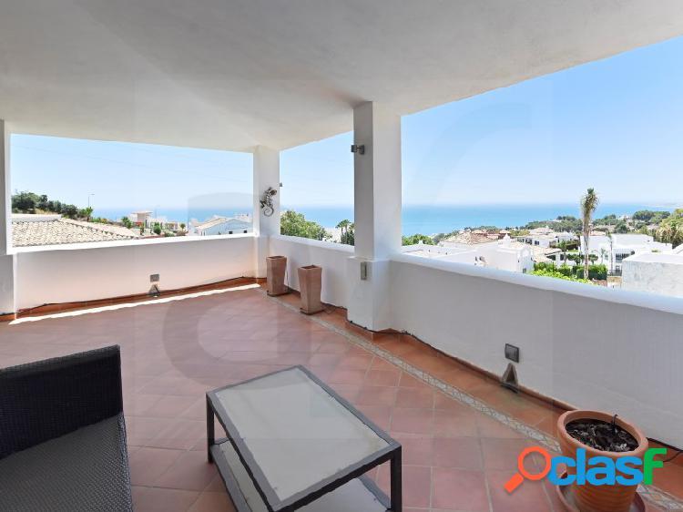 Magnífica villa con vistas al mar y a la montaña. 2