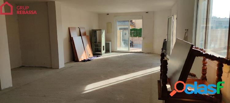 Se vende LOCAL COMERCIAL en el Pla de na Tesa. 86 m2 + 52 m2 de terraza (NO PUEDE SER VIVIENDA)IV 2
