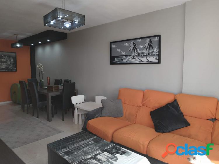 Hermoso piso de 3 dormitorios y dos cuartos de baños, Estpona zona Parque del El Carmen