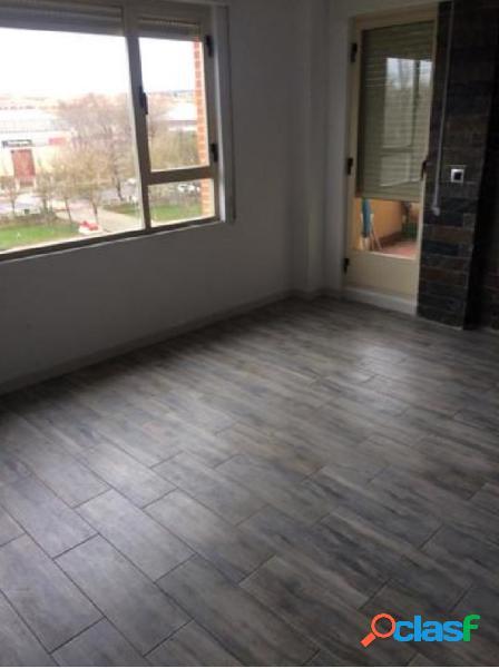 Se vende magnífico piso en zona Puente de la Universidad 3