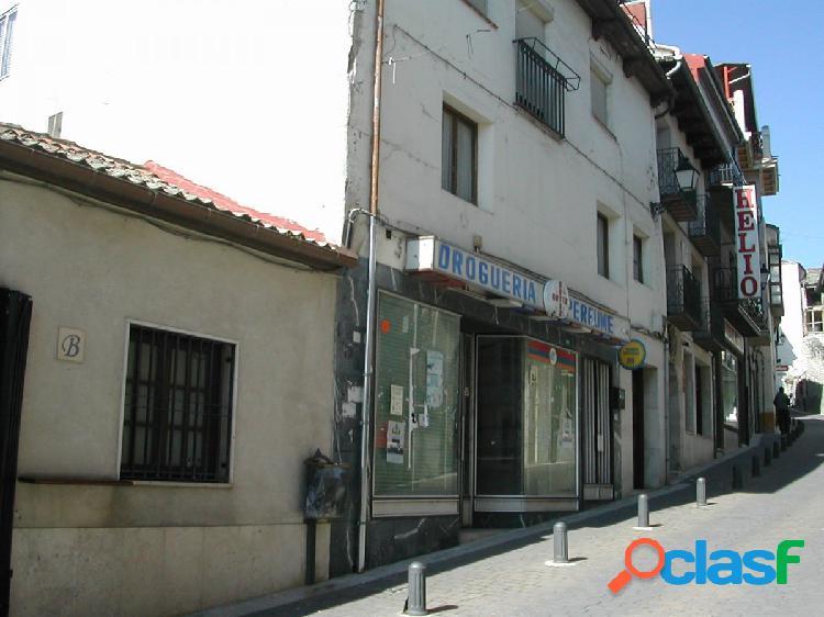 Edificio en venta ubicado en el centro de cuéllar. junto plaza mayor. ref.1110