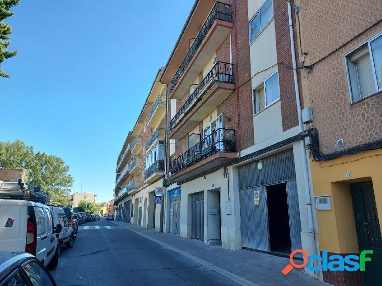 Local en alquiler en cuéllar. zona plaza de toros. ref. 1718