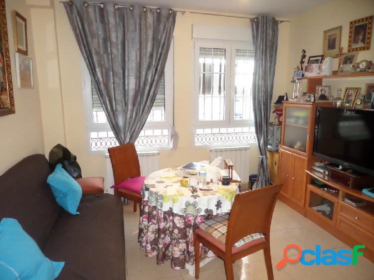 Apartamento junto a avenida juan carlos i con plaza de garaje