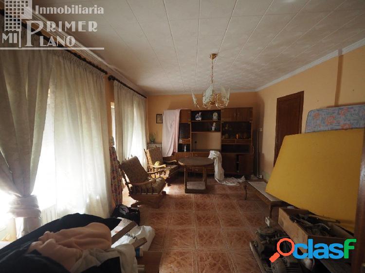 Se vende casa en calle Socuellamos con 206m2