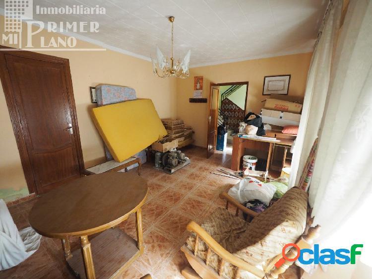 Se vende casa en calle Socuellamos con 206m2 1
