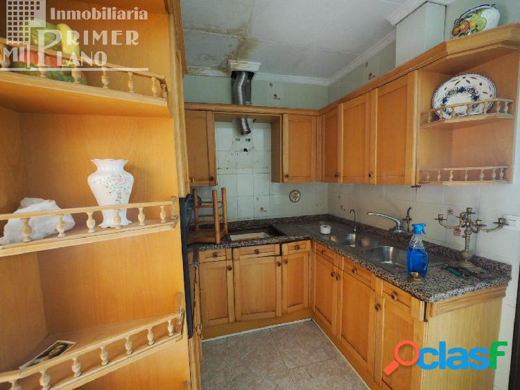 Se vende casa en calle Socuellamos con 206m2 2