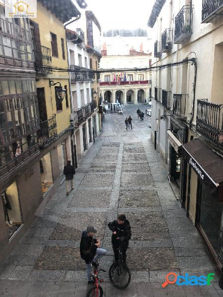 Oportunidad gran piso para reformar en pleno Centro calle RUA 2