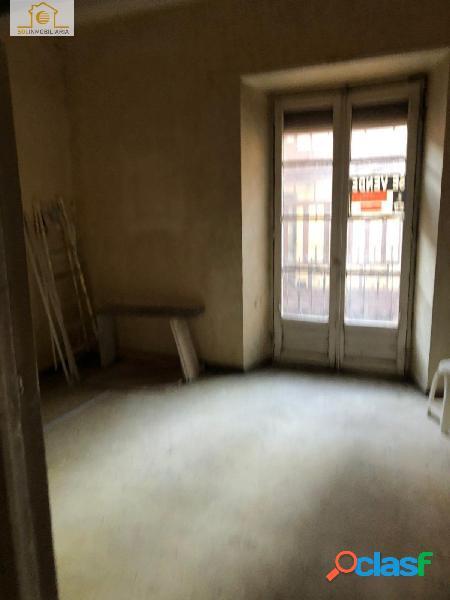 Oportunidad gran piso para reformar en pleno Centro calle RUA 3