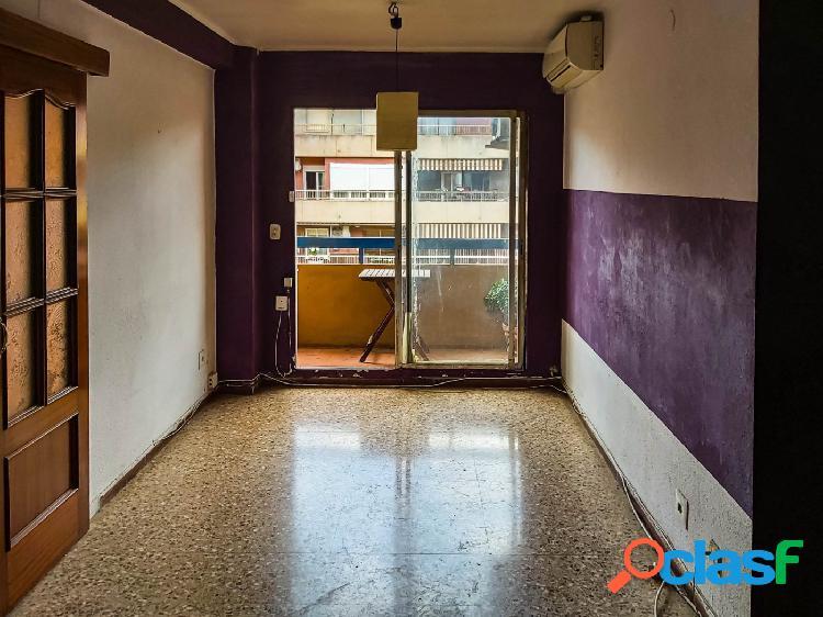 Vendo piso para reformar en la mejor ubicación de Benimaclet. 1