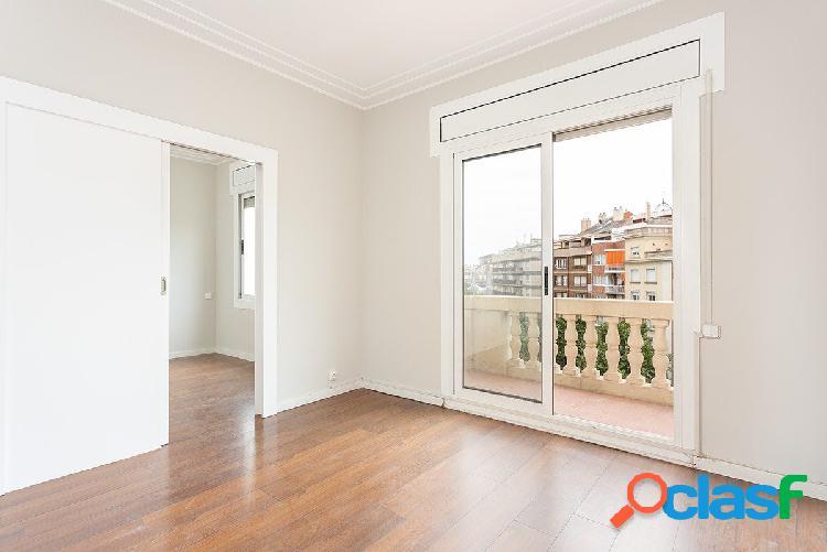 Magnífico piso de 2 habitaciones en Les Corts 1