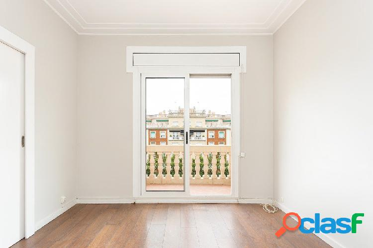 Magnífico piso de 2 habitaciones en Les Corts 2