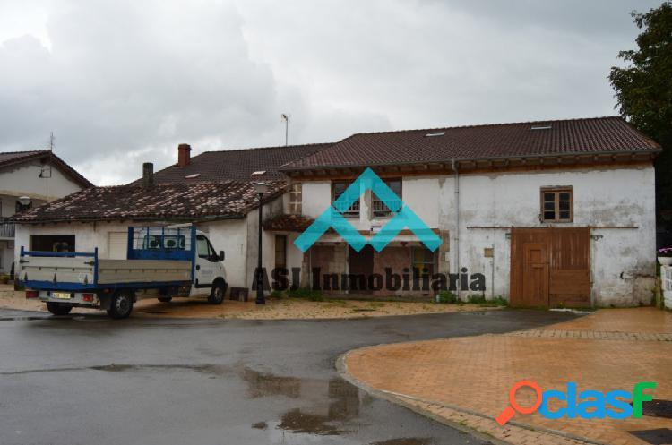 Casa adosada en venta en castañeda