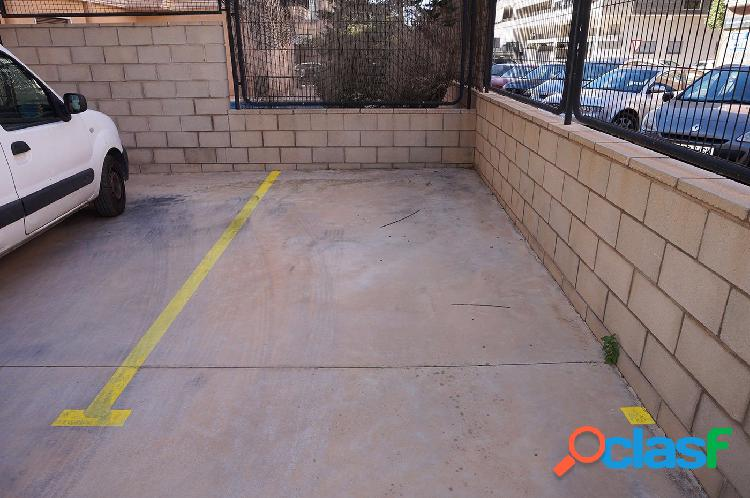 Plaza de garaje en superficie en pleno centro de altablix san antón.