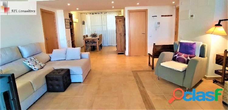 Apartamento en plata baja muy acogedor con amplia terraza en venta en la ampolla
