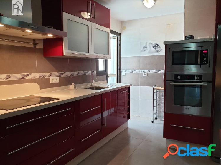 Amplio y luminoso apartamento con 3 dormitorios en Nerja / Parada de autobuses 1