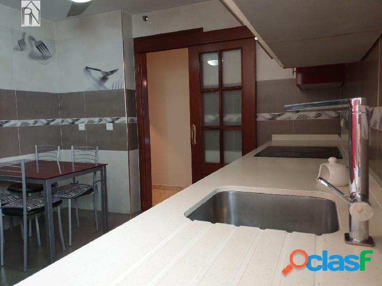 Amplio y luminoso apartamento con 3 dormitorios en Nerja / Parada de autobuses 2