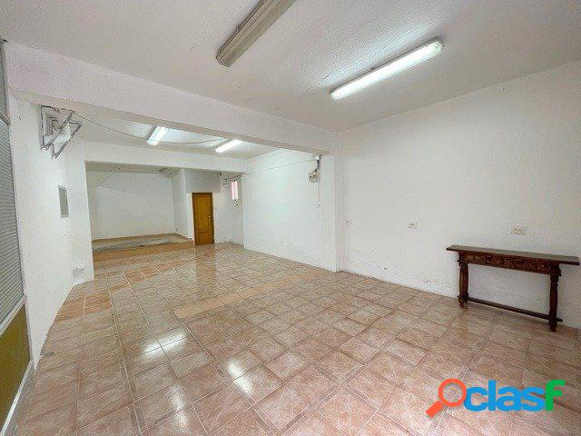 Venta de local comercial, de 106 m2, en el distrito de Torrefiel (Valencia). 1