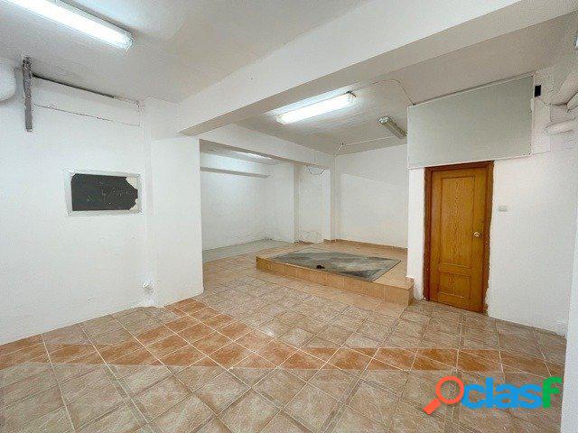 Venta de local comercial, de 106 m2, en el distrito de Torrefiel (Valencia). 2