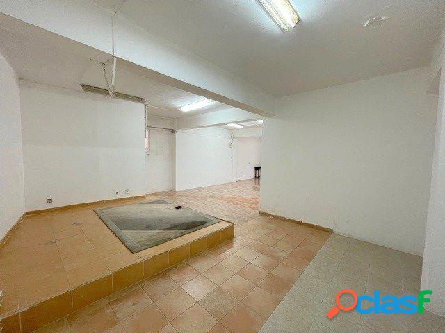 Venta de local comercial, de 106 m2, en el distrito de Torrefiel (Valencia). 3