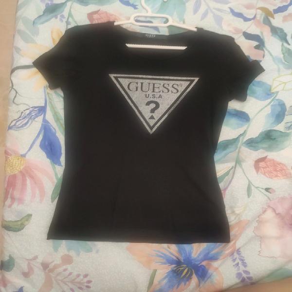 Camiseta guess de mujer, negro, talla xs,en perfectas