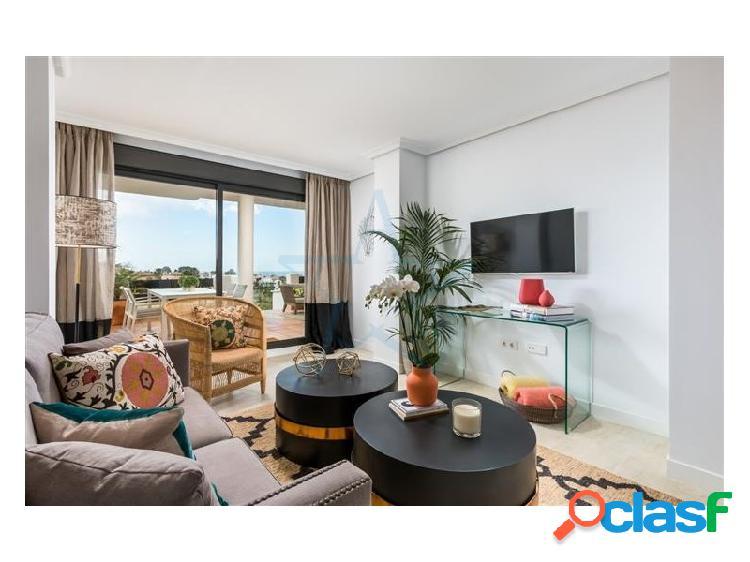 Precioso adosado con vistas al mar situado en La Resina Golf & Country Club, Estepona, Costa del Sol 1