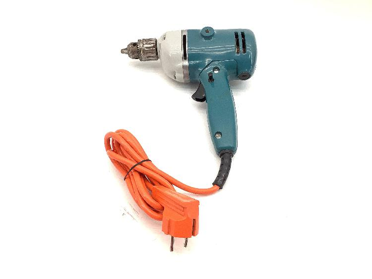 Taladro electrico black and decker d702