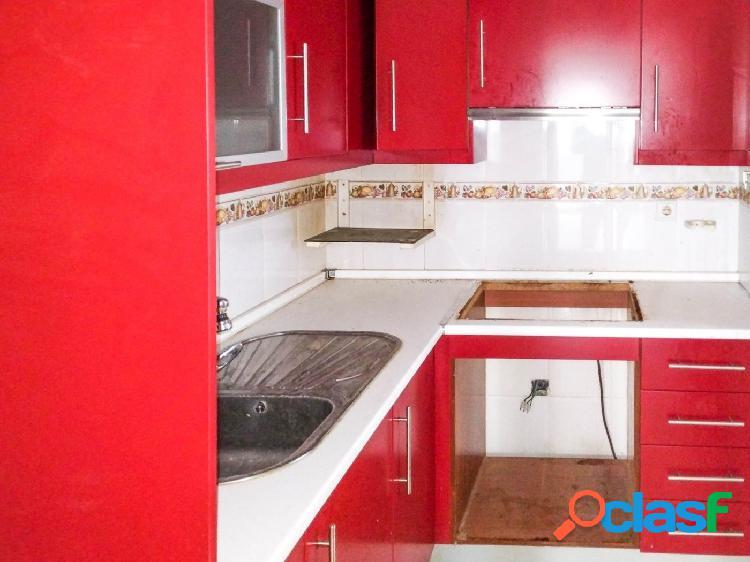 Piso de 2 dormitorios, con plaza de garaje, situado en Híjar, en residencial privado junto Mercadona 3