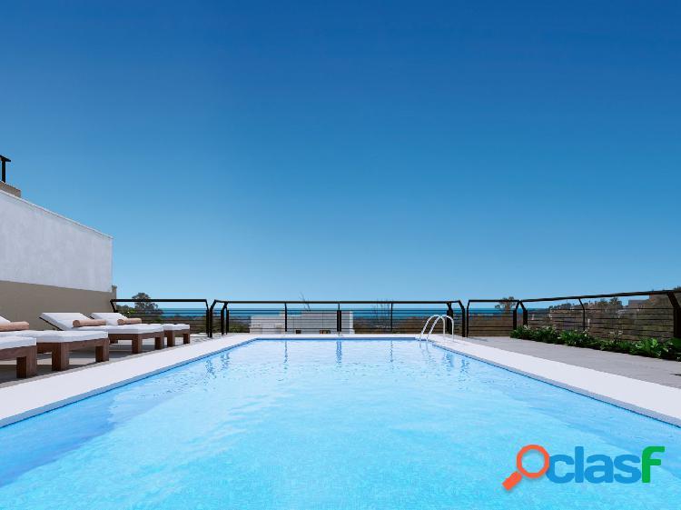 Espectacular apartamento en una zona muy selecta con vistas panorámicas a un precioso lago natural 1