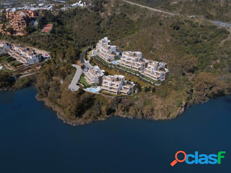 Espectacular apartamento en una zona muy selecta con vistas panorámicas a un precioso lago natural 3