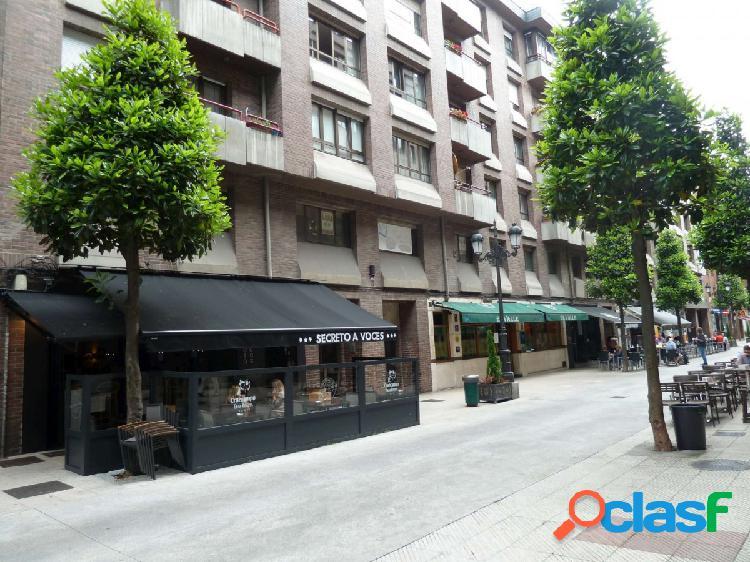Local de oficinas con una superficie de 640 m2 en el centro de Oviedo