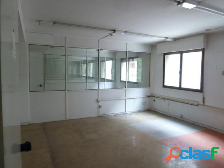 Local de oficinas con una superficie de 640 m2 en el centro de Oviedo 2