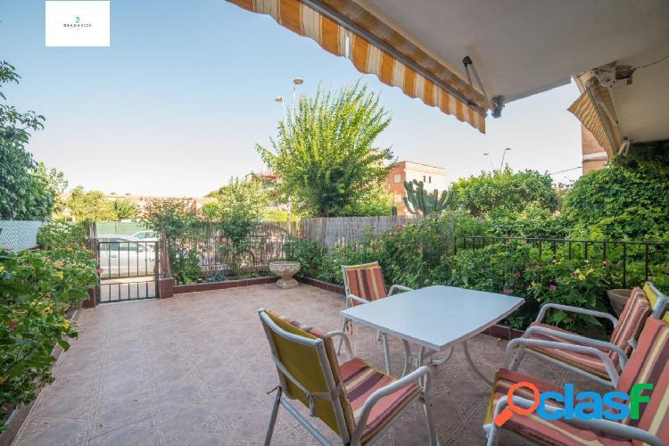 Duplex espacioso en urbanización de lujo con piscina garage y jardín comunitario