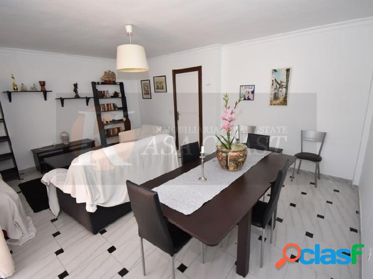 Piso de 3 dormitorios en alquiler de larga temporada en Los Boliches, Fuengirola. 2