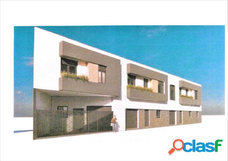 Casa de nueva construcción junto al bulevar!! informese!!