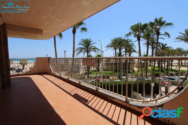Piso en Primera Línea de Playa con espectacular terraza 3