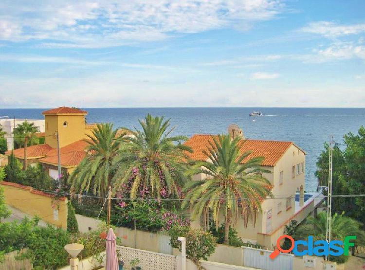 Magnífico chalet con parcela urbana de 920 m2 en La Coveta Fumá con vistas al mar. 1