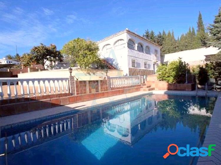 Estupenda villa rústica en hacienda cortés, marbella, costa del sol