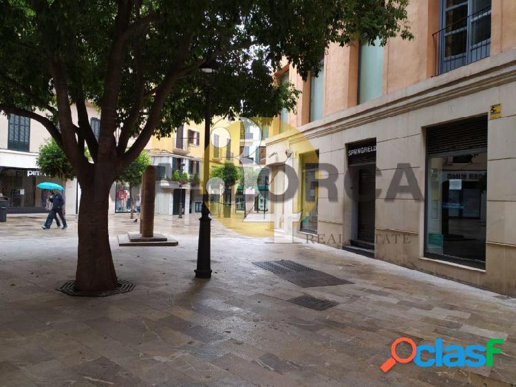 Local comercial de 60 m2 en frente PLAZA MAYOR 1