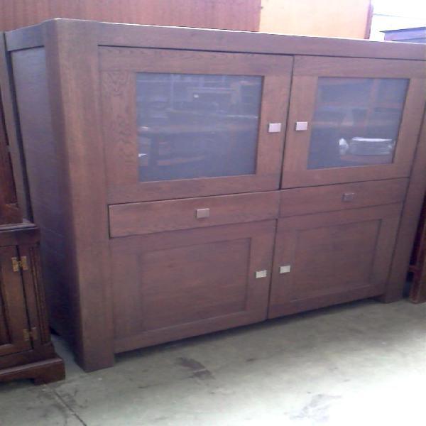 Compre la oportunidad de mueble bajo. 4 puertas 2 cajones