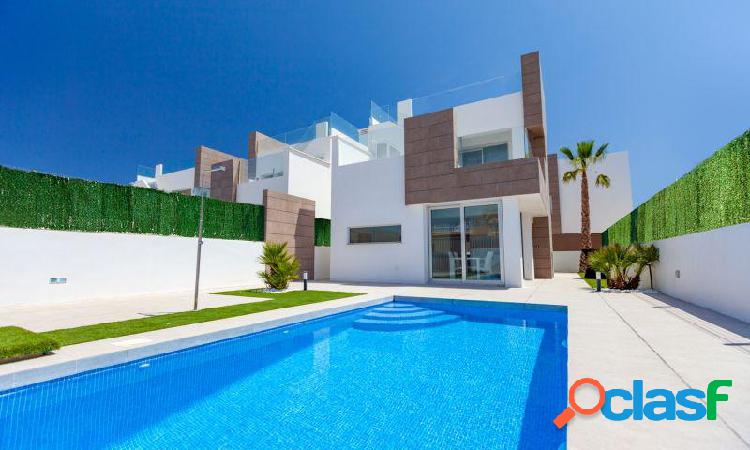 Nuevo Residencial ubicado en la conocida urbanización de El Raso 1