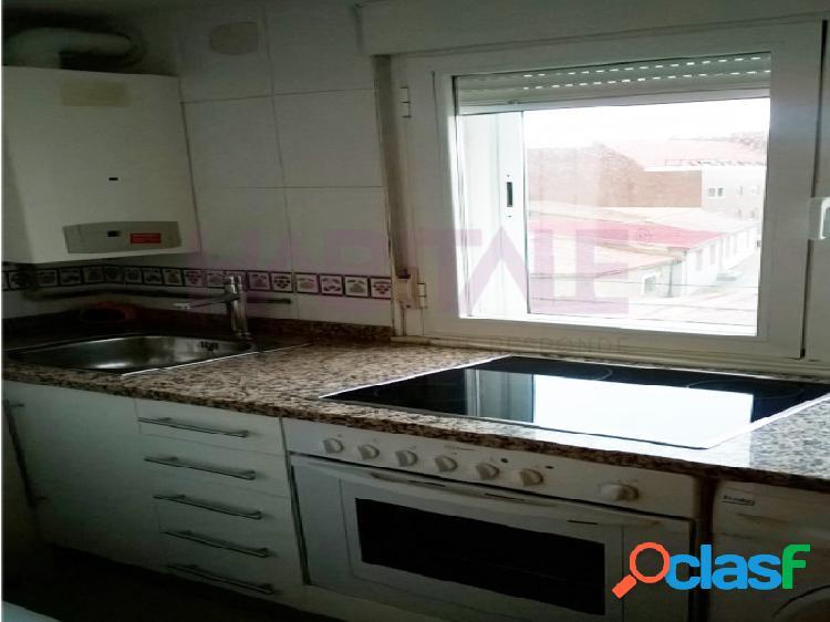 Se alquila vivienda de 2 dormitorios, salón, cocina y baño en ctra. Zamora en Aldeaseca de la Armuña, Salamanca. 1