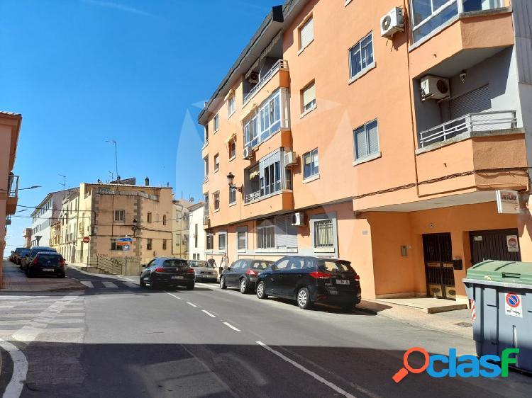 Piso de cuatro dormitorios junto a plaza italia