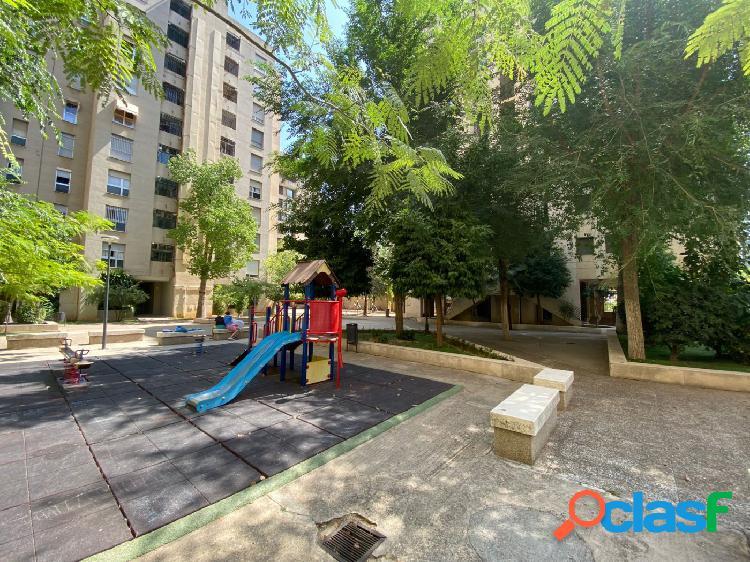 URBIS: Piso de 2 dormitorios y 2 baños en urbanización privada con amplias zonas comunes en Nervión 1