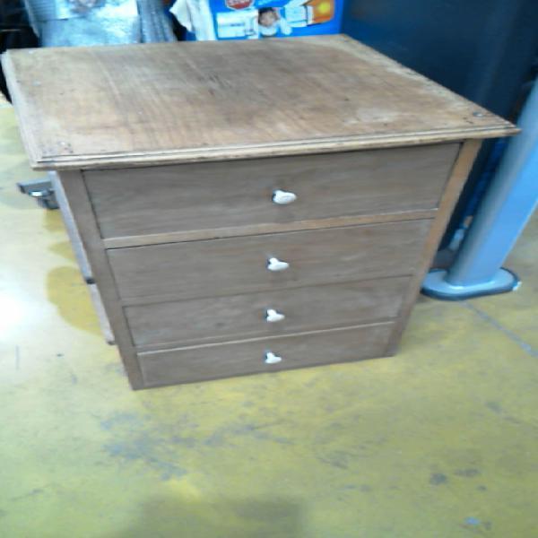 Compre la oportunidad de mueble auxiliar,, madera