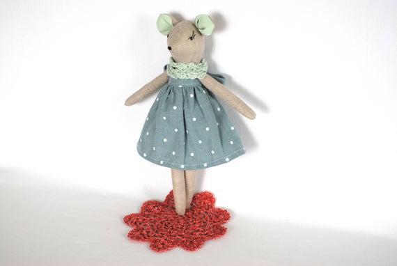 Pequeña princesa de ratón de tela de muñeca de trapo,