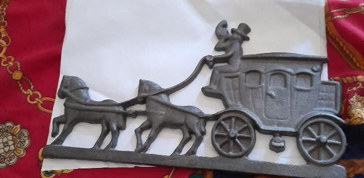 Antigua diligencia hierro fundido tirada por caballos