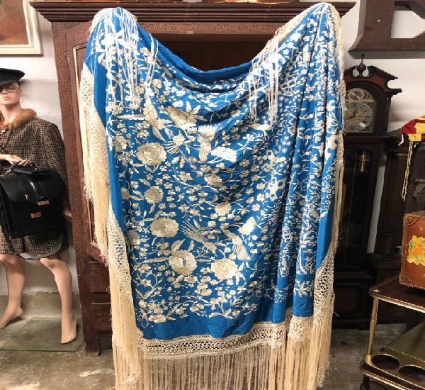 Antiguo mantón de manila de seda azul a dos caras